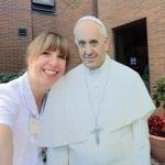 Tori Kadish greets Pope Francis