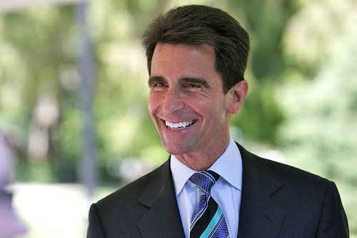 California state senator Mark Leno is the featured speaker for HUC's Holocaust Remembrance Day ceremony, Sunday.